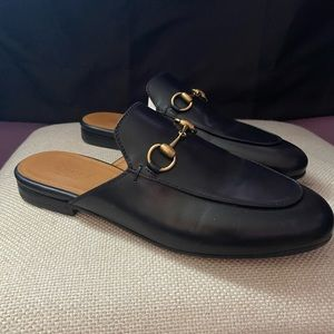 Classic Gucci Loafers Slip-on Style